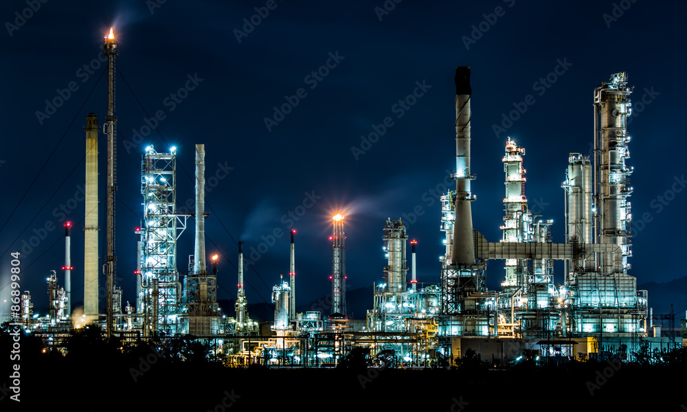 Fototapety, obrazy: Oil refinery at night