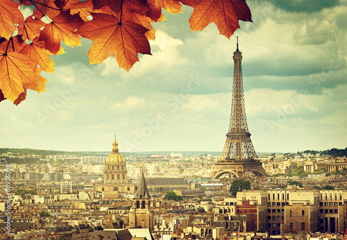 Fototapety, obrazy: autumn leaves in Paris and Eiffel tower