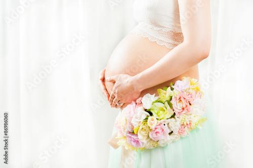 Obraz 妊娠している美しい日本人女性 マタニティフォト - fototapety do salonu
