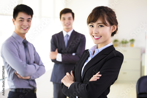 Fotografia  successful young business team standing in office