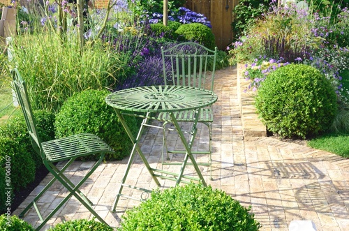 Papiers peints Jardin Cast Iron garden furniture outdoors