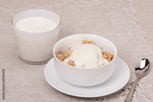 Foto op Canvas Chocolade Muesli With Yogurt Breakfast. Natural Linen Background