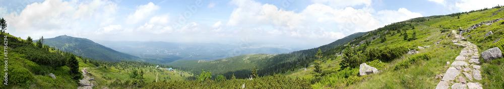 Fototapety, obrazy: View of Szrenica mountain and Szklarska Poreba town, Poland