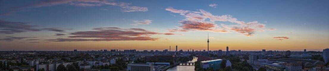 Fototapeta Berlin Mitte / Blick auf Berlin Mitte mit dem Berliner Fernsehturm.