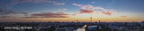 Spoed Foto op Canvas Berlijn Berlin Mitte / Blick auf Berlin Mitte mit dem Berliner Fernsehturm.