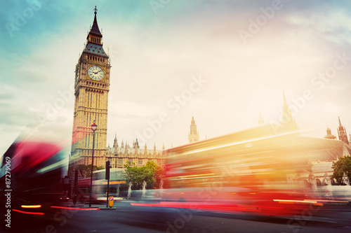 Spoed Fotobehang Londen London, the UK. Red buses and Big Ben, the Palace of Westminster. Vintage