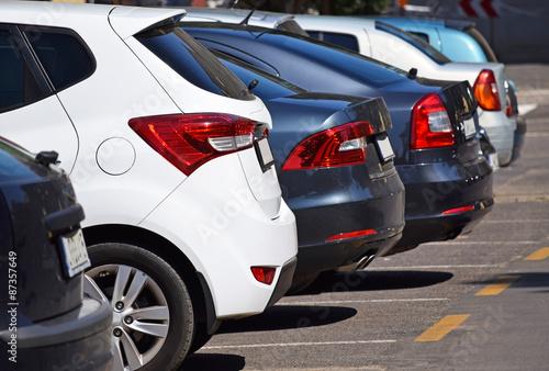 Fotografie, Obraz Auta na parkovišti