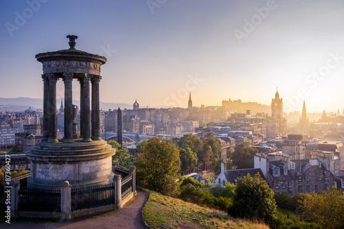 Plakat Edynburg miasto w zimie od Calton wzgórza, Szkocja, UK