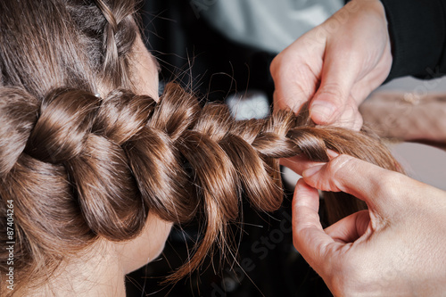 Fotografie, Obraz  weave braids in beauty salon
