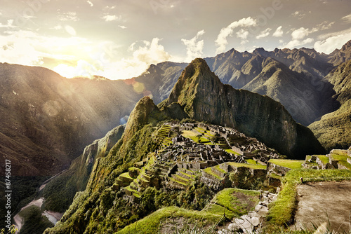 Photo  MACHU PICCHU, PERU - MAY 31, 2015: View of the ancient Inca City
