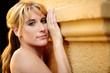 canvas print picture - Portrait einer huebschen blonden Frau