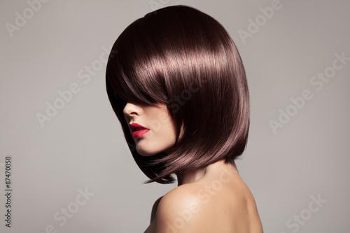 Fotografie, Obraz  Krása model s dokonalou dlouhé lesklé hnědé vlasy. Close-up portr