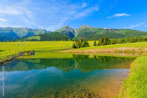 Poster Bergen Beautiful lake in summer landscape of Tatra Mountains, Slovakia