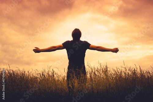 Fotografia silhouette of man