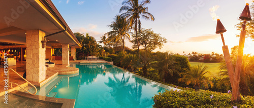 Fotografia, Obraz Luxury Home with Pool at Sunset