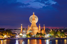 Wat Arun Temple In Night With ...
