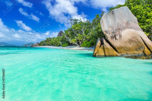 In de dag Groene koraal Anse Source d'Argent - Beautiful beach on tropical island La Digue in Seychelles