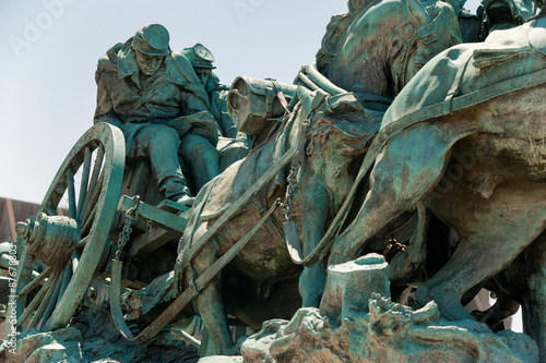 Fotografie, Obraz  Civil War Memorial Statue near the Ulysses S