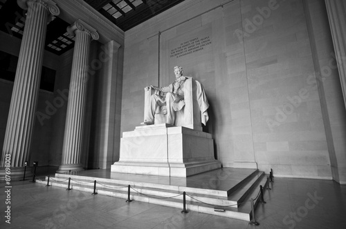 Vászonkép Statue of Abraham Lincoln at Lincoln Memorial in black and white, Washington DC,