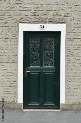 Porte d\'entrée moderne. - Buy this stock photo and explore ...