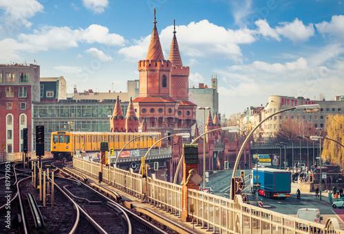Foto op Aluminium Berlijn Berlin Friedrichshain-Kreuzberg Oberbaumbrücke