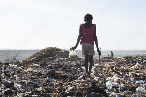 Fotomural MADAGASCAR décharges