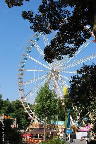 Poster Attraction parc Riesenrad auf einer Kirmes