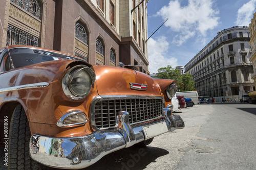 amerykanski-klasyczny-samochod-na-kubie