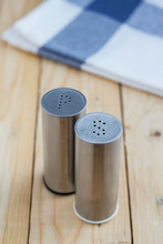 Alt And Pepper Shakers