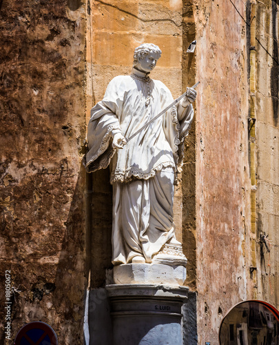 Photographie  statue on a street of Valletta