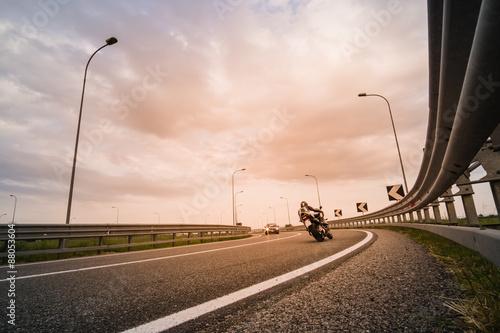 Motociclista su moto da strada Slika na platnu