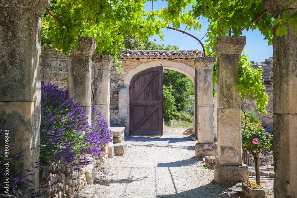 Fototapety, obrazy: The old abbey of St.Hilaire near the village Lacoste in Provence