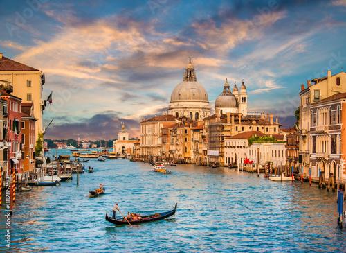 Stickers pour porte Venise Canal Grande with Santa Maria Della Salute at sunset, Venice, Italy