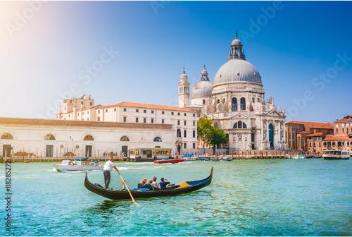 Poster Venise Gondola on Canal Grande with Basilica di Santa Maria della Salute, Venice, Italy