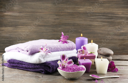 Foto op Plexiglas Spa Spa still life with purple flowers