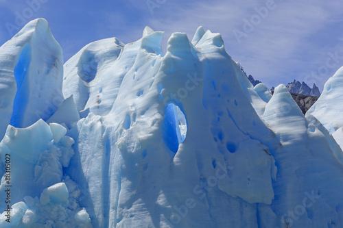 Valokuvatapetti Window in Blue Ice