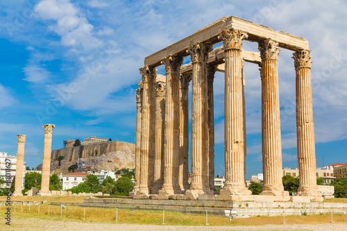 Photo  Ancient Temple of Zeus, Olympeion, Athens, Greece