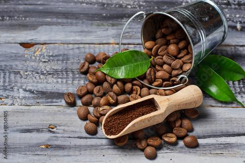 Café en grains Ground coffee and coffee beans