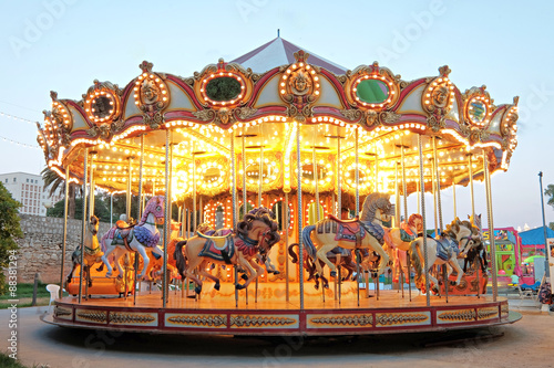 Papiers peints Attraction parc Vintage carousel