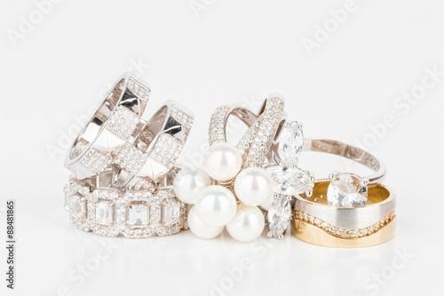 Zdjęcie XXL Wiele modnych kobiet biżuteria - Akcyjny wizerunek makro-.