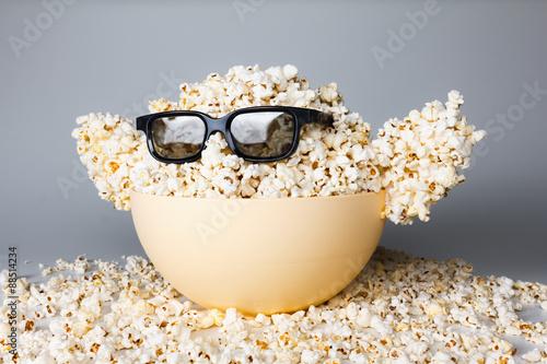 Fotografia, Obraz  Smiling Monster of popcorn, glasses