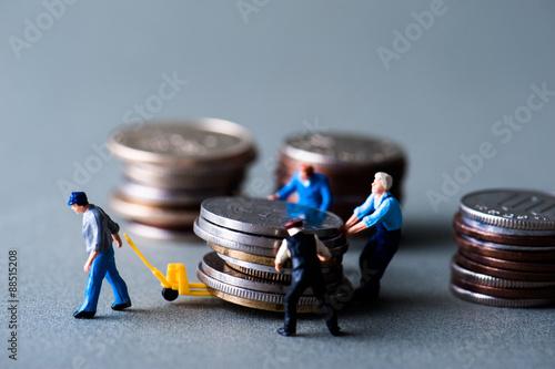 Fényképezés  お金を運搬するミニチュア