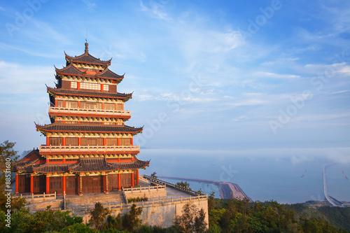Poster Pekin Beautiful ancient temple on the seaside, China