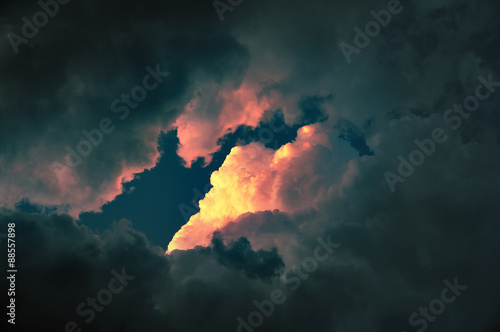Obraz cloudscape at sunset with red cloud - fototapety do salonu
