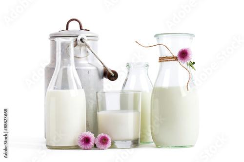 Plakat Mleko na białym tle