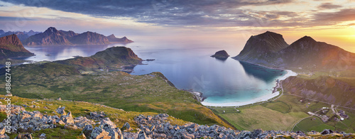 Stickers pour porte Scandinavie Norway. Panoramic view of Lofoten Islands taken from Holadsmelen, during summer sunset.