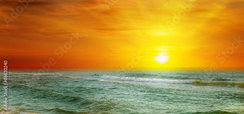 Fotobehang Zwavel geel Fantastic sunrise on the ocean