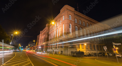 Staande foto Athene red townhall berlin germany at night