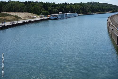 In de dag Kanaal Main-Donau-Kanal