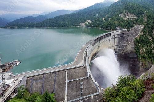 Photo sur Aluminium Barrage Kurobe Daiyon Dam in Tateyama Kurobe Alpine Route.
